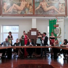 Giovinazzo saluto i poeti serbi e greci