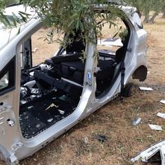 Quel che resta di un'auto: ennesimi ritrovamenti a Giovinazzo