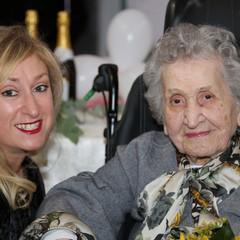 nonna e nipote Carmen JPG