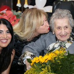 nonna e nipoti JPG