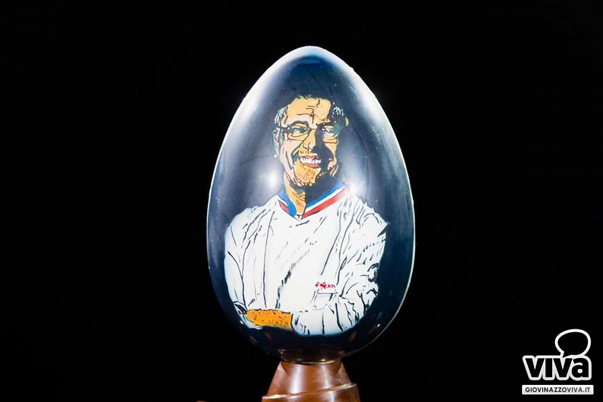 L'uovo col volto di Stephane Leroux