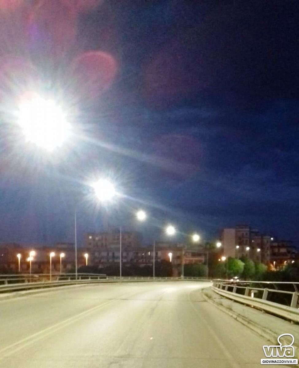 Riaccesa l'illuminazione sul calvalcaferrovia