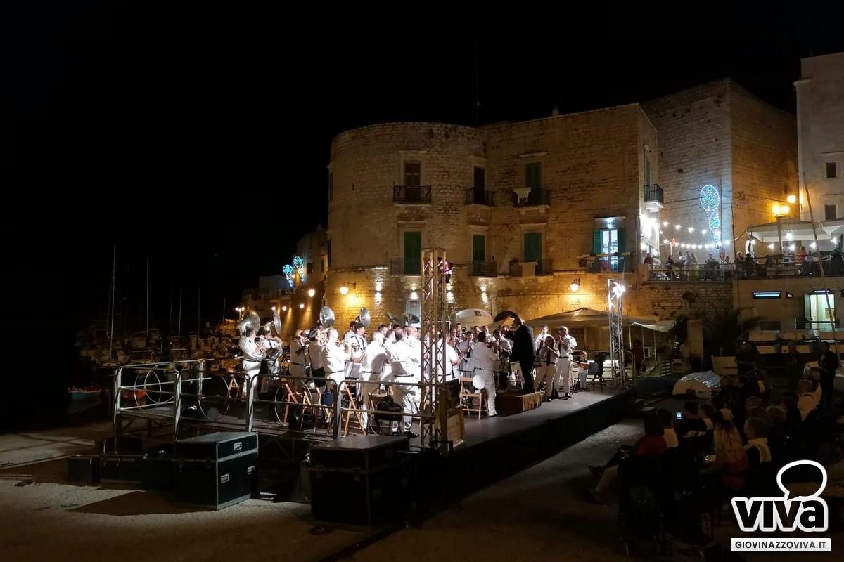 """L'Orchestra """"G.Ligonzo"""" in Cala Porto"""
