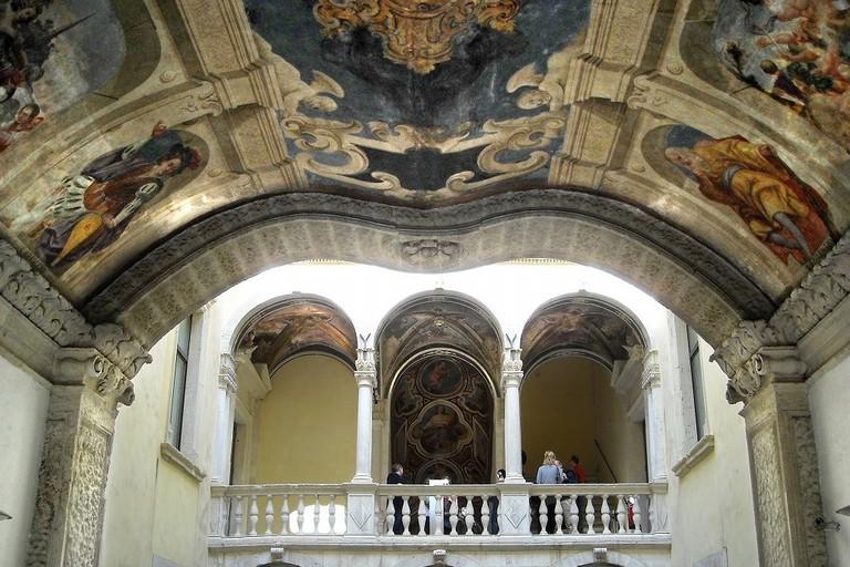 Palazzo della Marra, cortile centrale con balconata. <span>Foto Comune di Barletta</span>