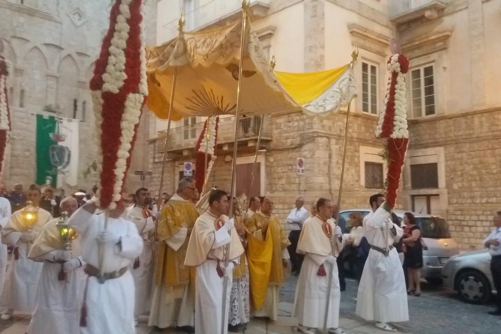 Il Corpus Domini parte da piazza Duomo. <span>Foto Gianluca Battista</span>