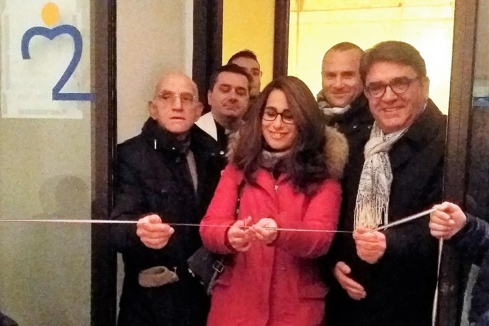 Marianna Paladino e Nicola De Matteo tagliano il nastro