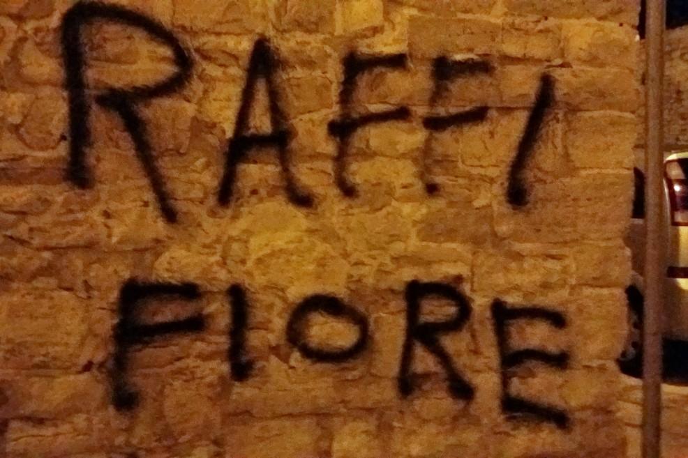 La scritta incriminata. <span>Foto Gianluca Battista</span>