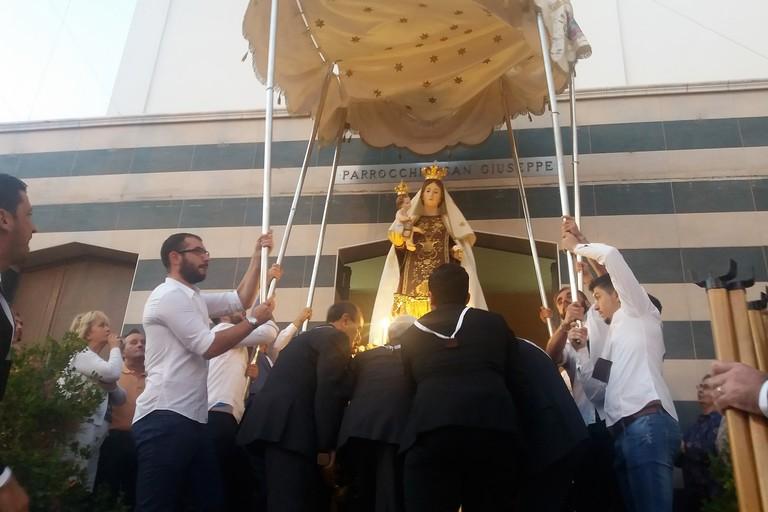 Stasera processione della Beata Vergine Regina del Monte Carmelo