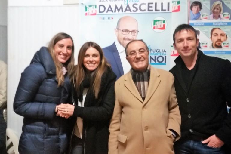 Carmela Minuto con i vertici locali di FI. <span>Foto Gianluca Battista</span>