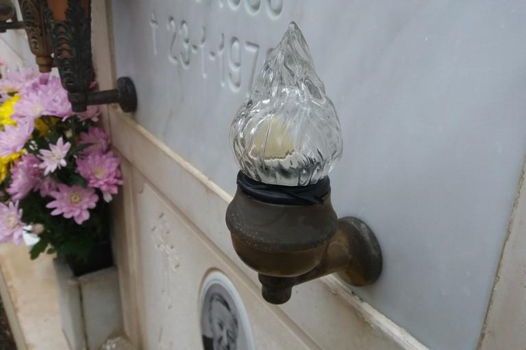 Una lampada spenta. <span>Foto Gianluca Battista</span>