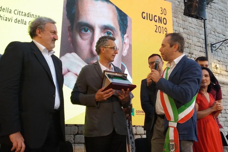 John Turturro riceve le chiavi della città. <span>Foto Gianluca Battista</span>