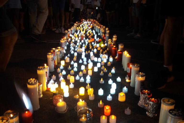Lumini per ricordare Giorgia in via Speranza