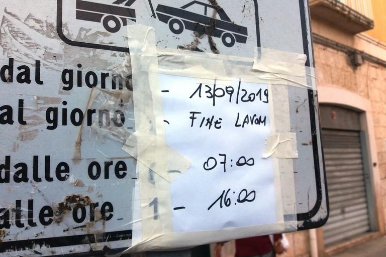 Il cartello di divieto di fermata