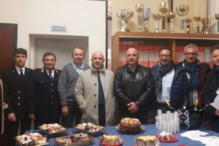 Foto di gruppo con Mimmo Camporeale. <span>Foto Gianluca Battista</span>