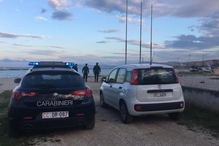 L'intervento dei Carabinieri e della Guardia Costiera