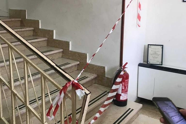 Interdette le scale della scuola Aldo Moro