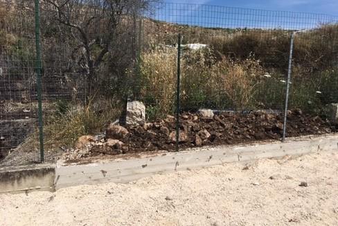 Il muretto di contenimento a San Pietro Pago. <span>Foto Comune di Giovinazzo</span>