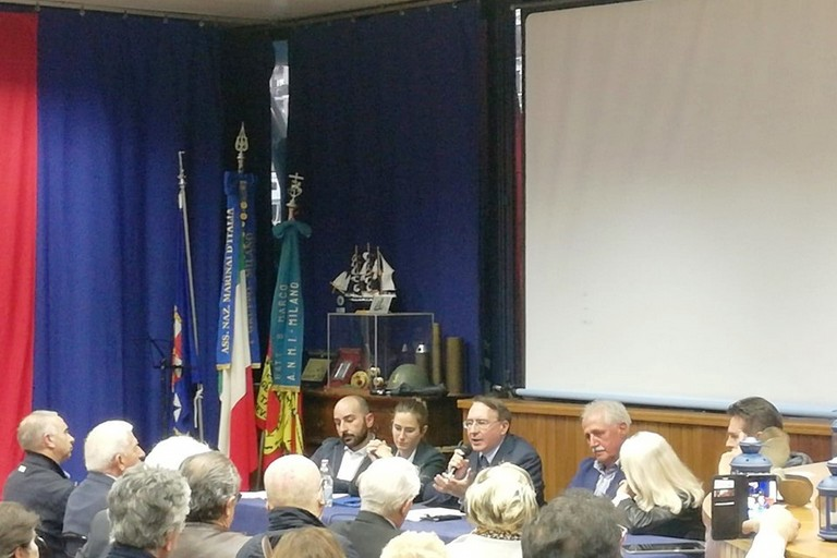 La presentazione nel Salone in Darsena