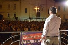 Daniele de Gennaro in piazza per ringraziare la sua gente