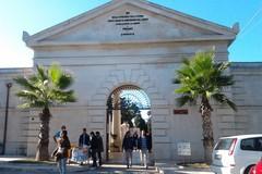 Ponte dei morti, Cimitero aperto dalle 7.00 alle 18.00