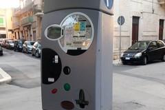 Strisce  blu, parcheggio gratuito se il parchimetro non ha bancomat