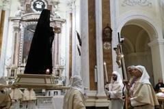 """In Concattedrale il toccante rito della """"Madonna sotto l'organo"""""""
