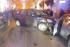 Incidente stradale, coinvolte tre auto. Una era ferma