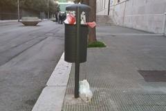 Lo sporcaccione di piazza Garibaldi colpisce ancora?