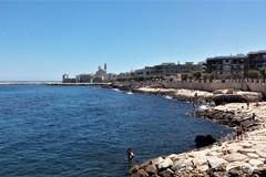 A Giovinazzo ancora interdetto alla balneazione un tratto della costa di Ponente