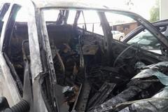 Auto incendiata in via Devenuto. Era stata rubata a Bisceglie