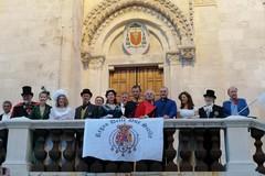Personaggi dell'epoca del Regno delle due Sicilie a spasso per Giovinazzo (FOTO)