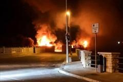 A fuoco il Terrazzino, intervengono i Vigili del Fuoco