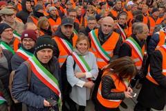 Depalma in piazza a Bari per sostenere la battaglia degli agricoltori