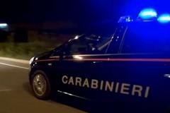 """Colpo nell'area di servizio Q8. Ladri in fuga con sigarette e """"gratta e vinci"""""""