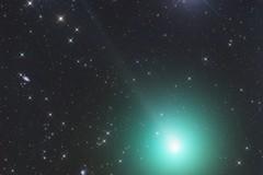 Nel cielo è visibile una stella cometa