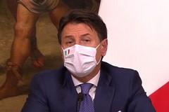 Conte annuncia in diretta i provvedimenti del nuovo DPCM: ecco quali sono