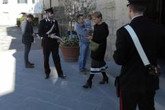 Crescono le truffe agli anziani, i Carabinieri: «Non bisogna lasciarli soli»