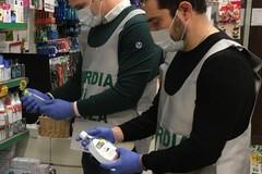 Mascherine e gel a prezzi gonfiati: a Giovinazzo controlli della Finanza
