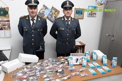 Prodotti contraffatti e pericolosi, controlli a tappeto della Finanza