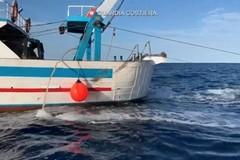 Pesca a strascico in un'area vietata, sanzionato un peschereccio