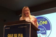 Giorgia Meloni ieri a Bari: «Con Fratelli d'Italia più sicurezza e abolizione della legge Fornero»