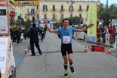 Massimo Leonardi e Ashleigh Barron vincono la Maratona delle Cattedrali