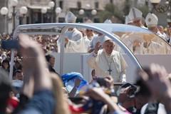 Tutte le emozioni della visita papale nei nostri scatti