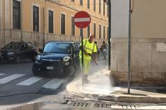 Pulizia e lavaggio straordinario delle strade