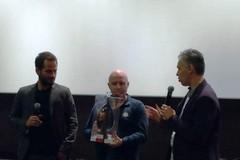 L'uovo di Nicola Giotti omaggia Pippo Mezzapesa e Sergio Rubini