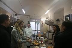 Esperti canadesi a Giovinazzo per apprendere l'arte dolciaria da Nicola Giotti