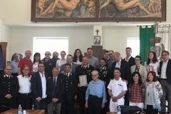 Consiglio comunale, premiato il luogotenente Dino Amato per la sua carriera