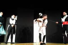 """Giovinazzo Teatro, divertimento con """"Il Borghese gentiluomo"""" della compagnia Calandra"""