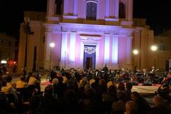 L'Orchestra Metropolitana ed un trio d'eccezione incantano piazza Sant'Agostino