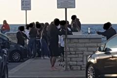 Liberi tutti: la movida giovinazzese se ne infischia delle regole (FOTO)